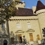 Château + statue moderne